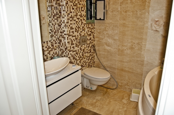 Bathroom Remodeling With Mosaic Italian Tiles